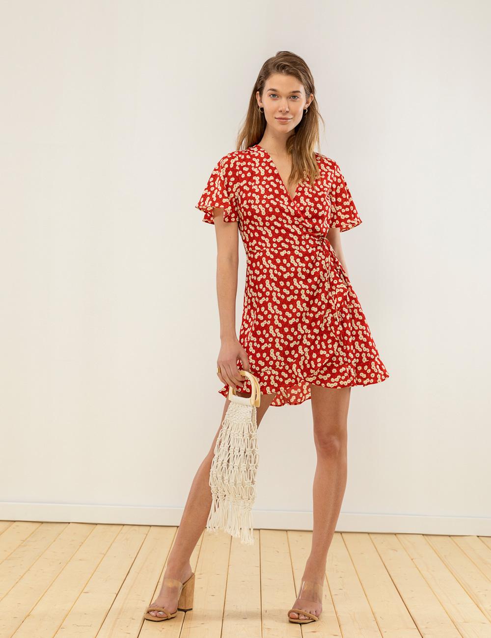 e8e450d2cead Φλοράλ φόρεμα λεπτομέρεια βολάν