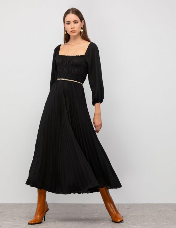 Πλισέ φόρεμα