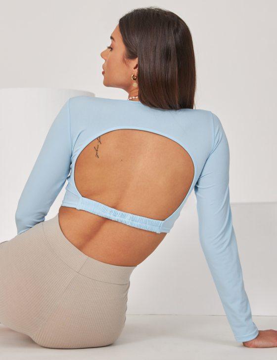 Γυναικεία μακρυμάνικη μπλούζα με λάστιχο στην περιοχή της πλάτης