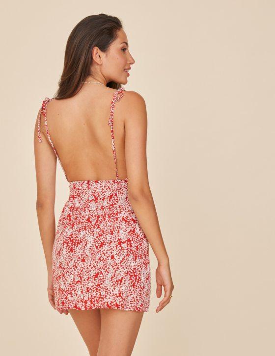 Φόρεμα print με δέσιμο στις τιράντες και ντραπέ λαιμόκοψη