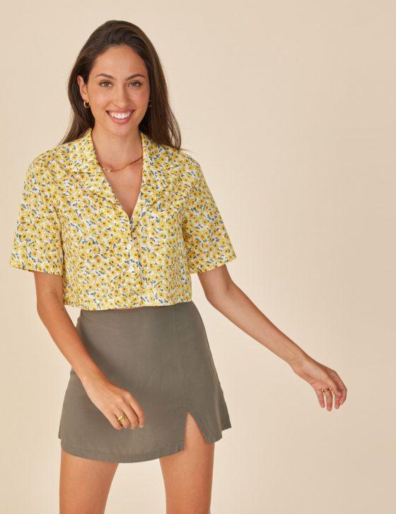 Γυναικείο κοντό πουκάμισο φλοράλ με τσέπη και κοντό μανίκι