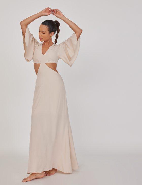 Φόρεμα μακρύ με ανοίγματα εμπρός και λούκια στα μανίκια