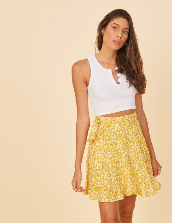Φούστα φλοράλ με ζωνάκι και λούκια κοντή