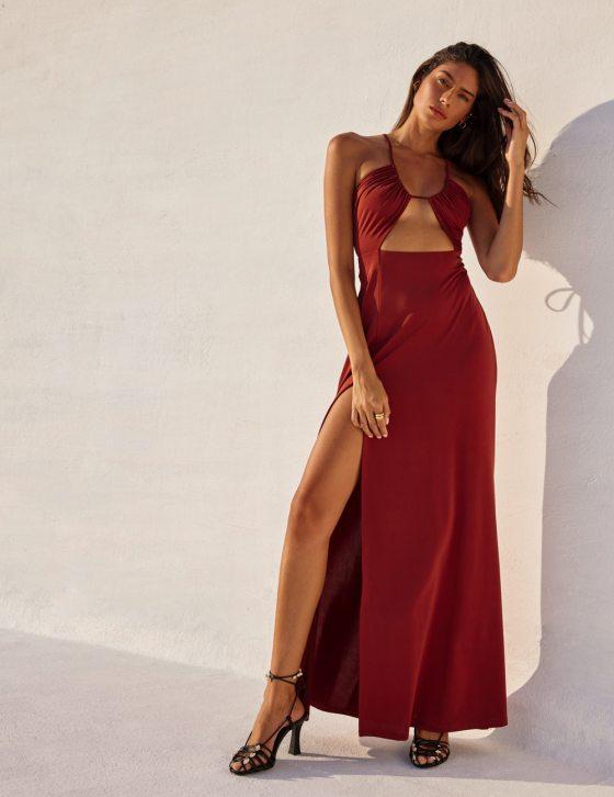 Φόρεμα μακρύ με κορδόνι και ανοίγματα στην κοιλιά με διακοσμητικές σούρες