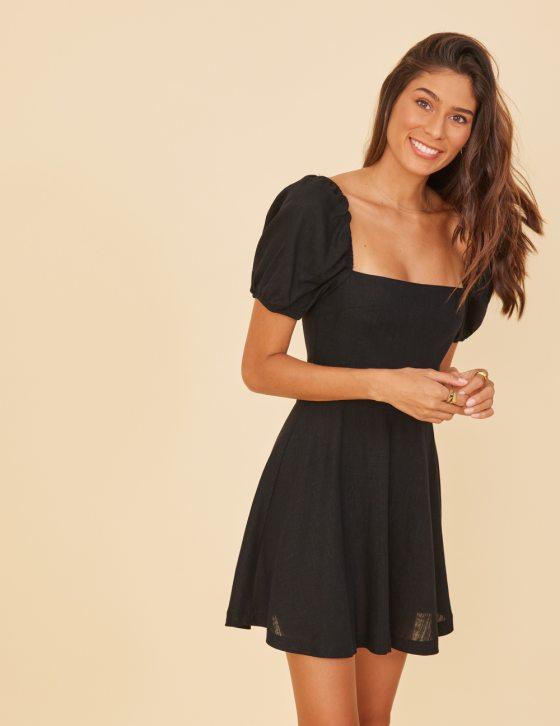 Λινό φόρεμα τετράγωνο ντεκολτέ με κοντό φουσκωτό μανίκι με λάστιχο