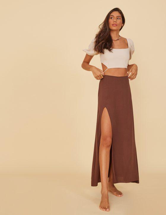 Φούστα μίντι με σκίσιμο εμπρός και λάστιχο στη μέση